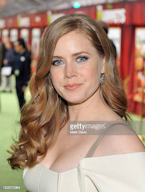 Actress Amy Adams arrives at the premiere of Walt Disney Pictures' The Muppets held at the El Capitan Theatre on November 12 2011 in Hollywood...