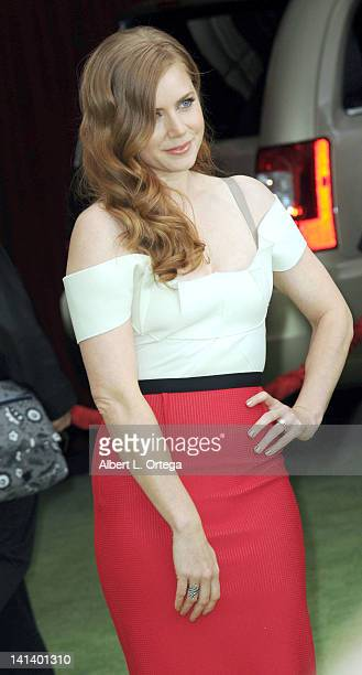 Actress Amy Adams arrives for 'The Muppet' Los Angeles Premiere held at the El Capitan Theatre on November 12 2011 in Hollywood California