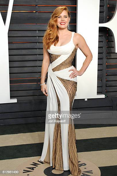 Actress Amy Adams attends the 2016 Vanity Fair Oscar Party hosted By Graydon Carter at Wallis Annenberg Center for the Performing Arts on February...