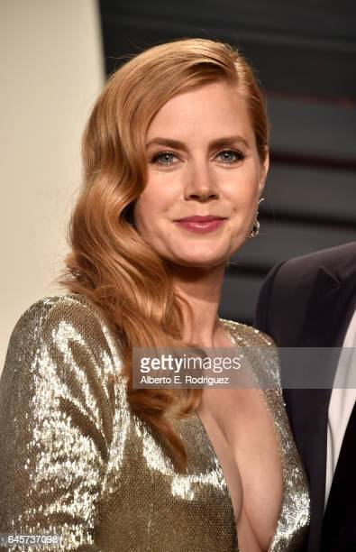 Actress Amy Adams attends the 2017 Vanity Fair Oscar Party hosted by Graydon Carter at Wallis Annenberg Center for the Performing Arts on February 26...