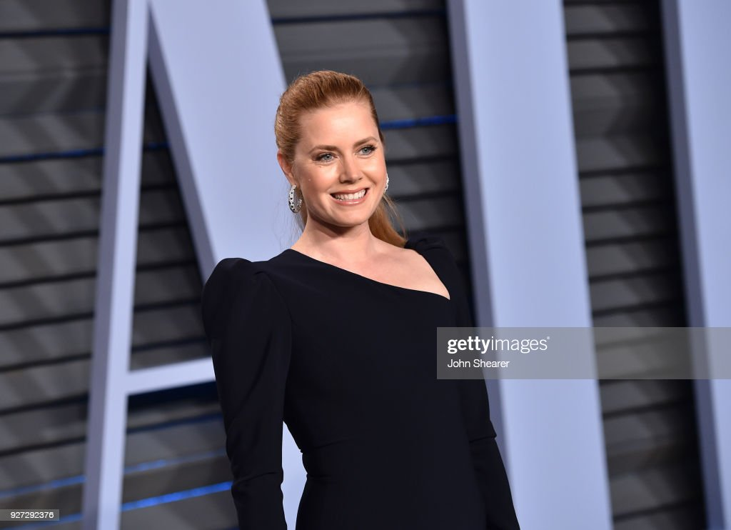Actress Amy Adams attends the 2018 Vanity Fair Oscar Party hosted by Radhika Jones at Wallis Annenberg Center for the Performing Arts on March 4, 2018 in Beverly Hills, California.