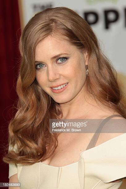 """Actress Amy Adams attends the Premiere Of Walt Disney Pictures' """"The Muppets"""" at the El Capitan Theatre on November 12, 2011 in Hollywood, California."""