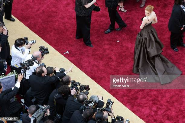 Actress Amy Adams is photographed as she arrives at the 78th Annual Academy Awards at the Kodak Theatre March 5 2006 in Hollywood California
