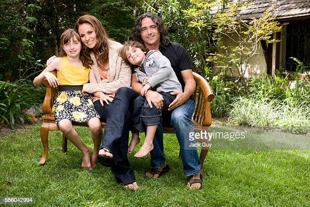 Actress Amy Brenneman is photographed with children and husband Brad Siberling a film and television director for Working Mother on August 1 2010 in...
