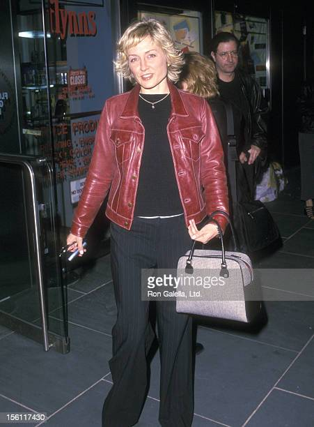Actress Amy Carlson attends 'The Man Who Cried' New York City Premiere on May 7 2001 at Florence Gould Hall in New York City New York