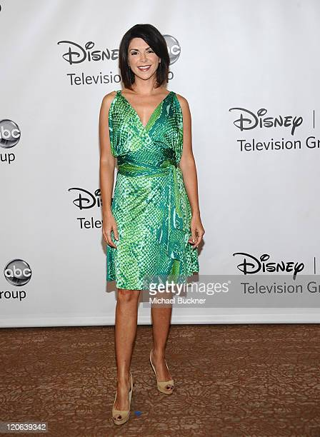 Actress Amy Pietz arrives at the Disney ABC Television Group's 'TCA 2001 Summer Press Tour' at the Beverly Hilton Hotel on August 7 2011 in Beverly...