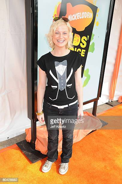 Actress Amy Poehler arrives on the red carpet at Nickelodeon's 2008 Kids' Choice Awards at the Pauley Pavilion on March 29, 2008 in Los Angeles,...