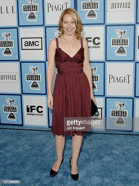 Actress Amy Ryan arrives at the 2008 Independent Spirit Awards at the Santa Monica Pier on February 23 2008 in Santa Monica California