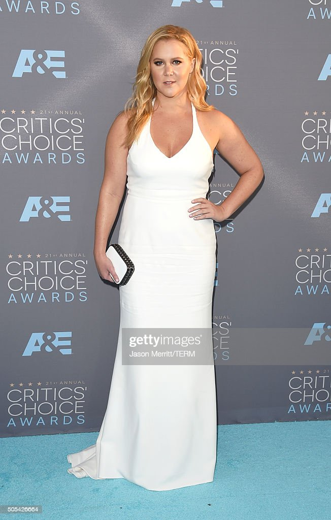 Actress Amy Schumer attends the 21st Annual Critics' Choice Awards at Barker Hangar on January 17, 2016 in Santa Monica, California.