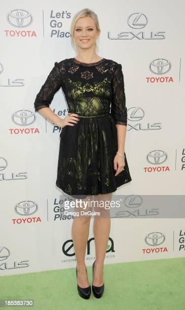 Actress Amy Smart arrives at the 2013 Environmental Media Awards at Warner Bros Studios on October 19 2013 in Burbank California