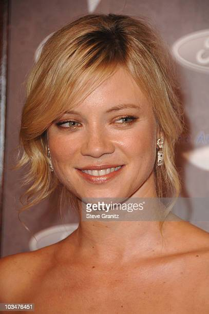 Actress Amy Smart arrives to The Art of Elysium 10th Anniversary Gala at Vibiana on January 12, 2008 in Los Angeles, California.