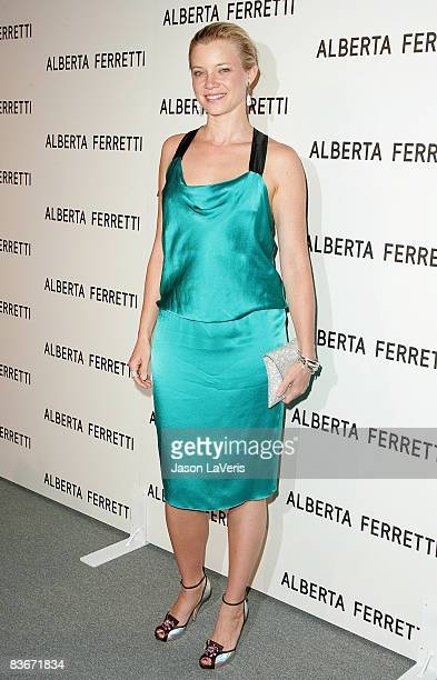 Actress Amy Smart attends the Alberta Ferretti US flagship store opening on November 12 2008 in Los Angeles California