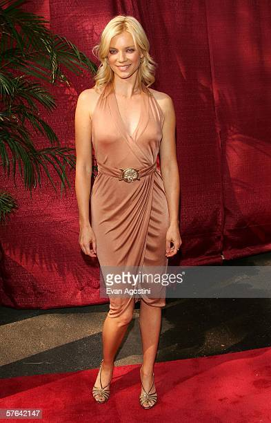 Actress Amy Smart attends the CBS Upfront Presentation at Tavern On The Green May 17 2006 in New York City