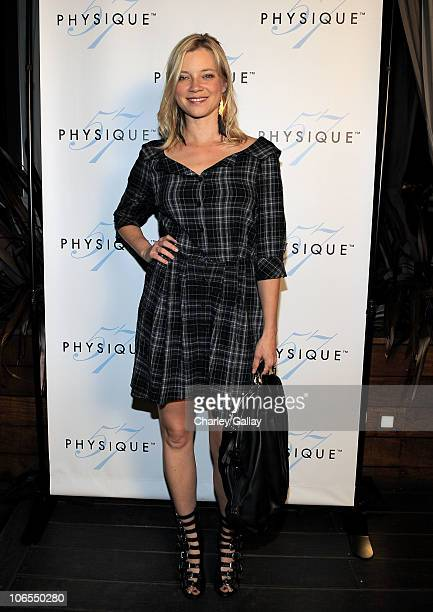 Actress Amy Smart attends the Physique 57 Beverly Hills launch party at Thompson Hotel on November 4 2010 in Beverly Hills California