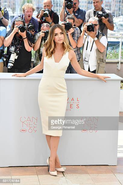 Actress Ana DeArmas attends the 'Hands Of Stone' Photocall at the annual 69th Cannes Film Festival at Palais des Festivals on May 16 2016 in Cannes...
