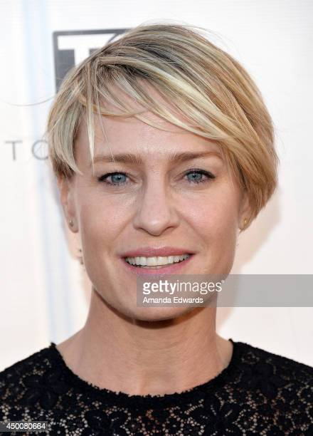 Actress and cover star Robin Wright arrives at the Los Angeles Confidential Magazine celebration of the magazine's Women Of Influence issue at SIXTY...