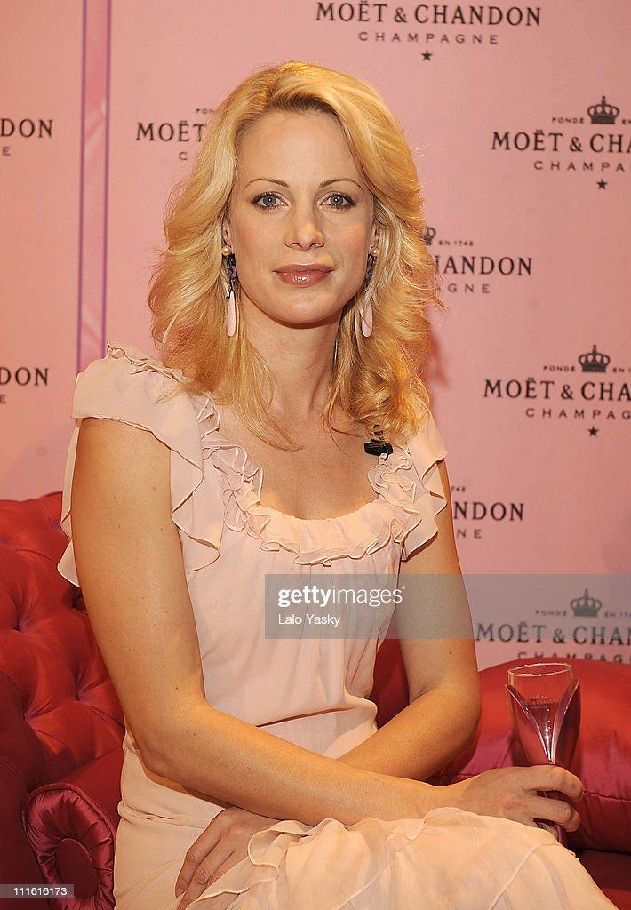 Alison Eastwood Launches Moët Rosé Indulgence Coffret Limited Edition