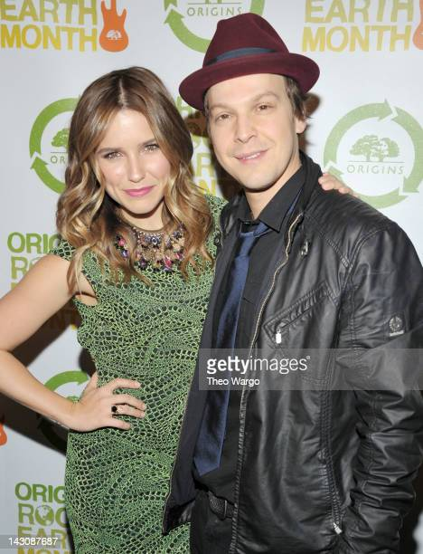 Actress and host of Origins Rocks Earth Month Sophia Bush and singersongwriter Gavin DeGraw attend the third annual Origins Rocks Earth Month concert...