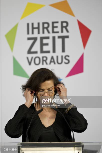 Actress and human rights activist Bianca Jagger talks during opening of the exhibition 'Ihrer Zeit voraus Visionaere Frauen im Einsatz für den Umwelt...