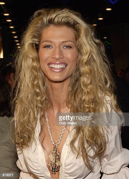Actress and model Amber Smith arrives at the premiere of Columbia Pictures'' 'Tomcats' March 28 2001 at the Universal City Walk Cinemas in Universal...