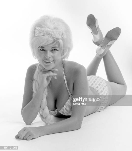 """Actress and model Jayne Mansfield poses for a portrait in 1964 in New York City, New York. Taken for the 1964 pinup book """"Jayne Mansfield For..."""