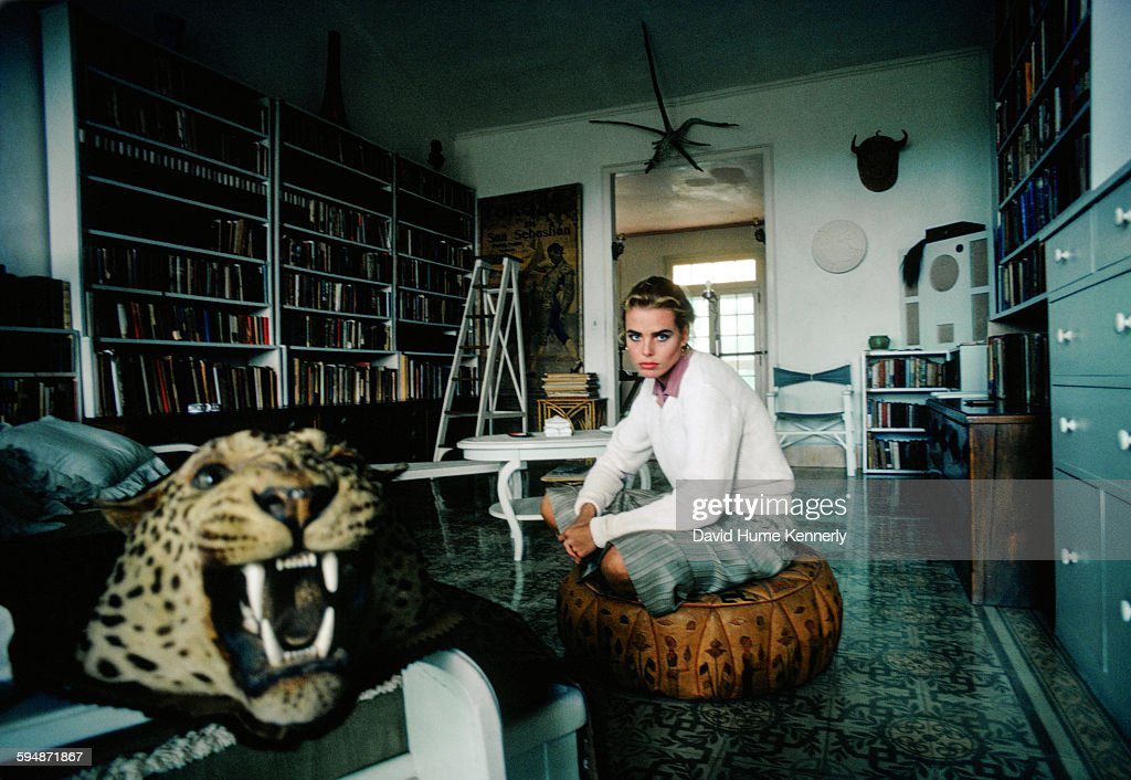 Margaux Hemingway at Her Grandfather's Home in Havana, Cuba : ニュース写真