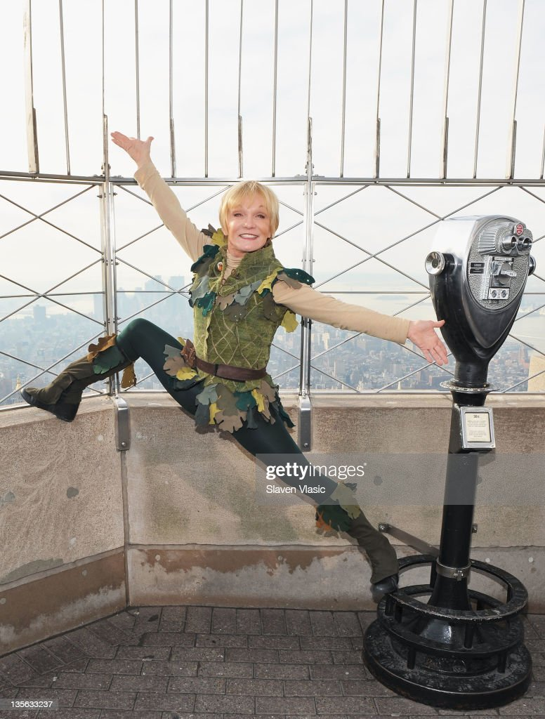 "Cathy Rigby Visits The Empire State Building To Celebrate The Opening Week Of ""Cathy Rigby Is Peter Pan"" : News Photo"