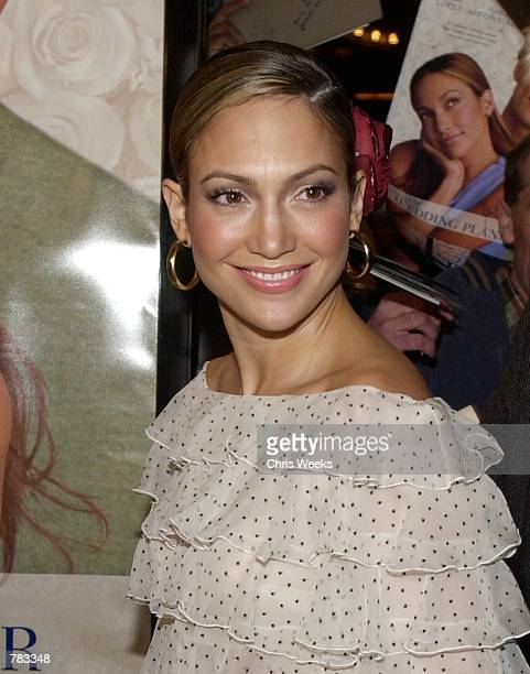 Actress and pop star Jennifer Lopez arrives at the premiere of Columbia Pictures'' The Wedding Planner January 23 2001 at Loews Century Plaza Theatre...
