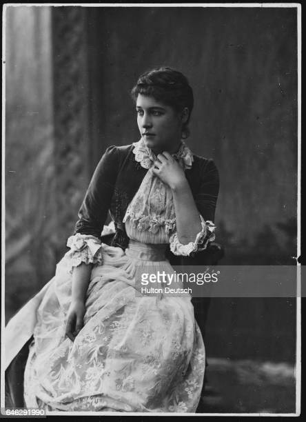 Actress and renowned beauty Lillie Langtry born Emilie Charlotte de Breton her most successful roles were as Rosalind in Shakespeare's As You Like It...