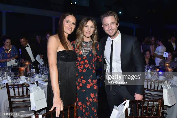 Actress and Save the Children Trustee Jennifer Garner Genevieve Tedder and Grammywinning Songwriter and Producer Ryan Tedder attend the 5th Annual...