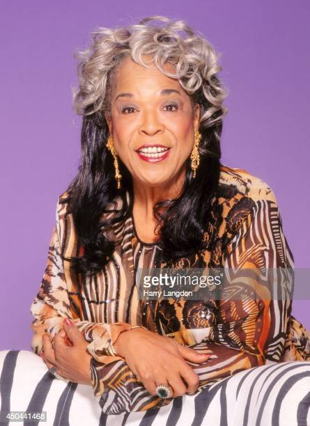 Actress and singer Della Reese poses for a portrait in 1990 in Los Angeles California