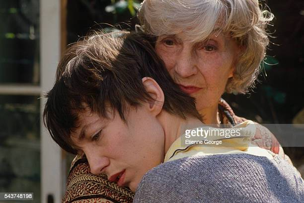 "Actress and singer Jane Birkin with her mother, English actress Judy Campbell on the movie set of ""Jane B. Par Agnès V,"" directed by Agnès Varda."