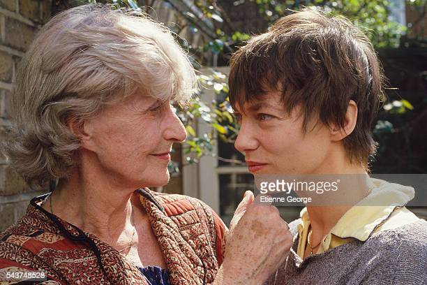Actress and singer Jane Birkin with her mother English actress Judy Campbell on the movie set of Jane B par Agnès V directed by Agnès Varda