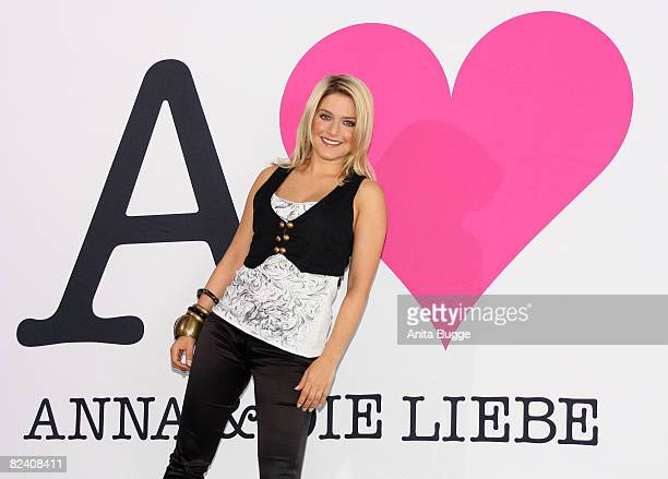 Actress and singer Jeanette Biedermann attends a photocall to the new German television SAT1 telenovela 'Anna und die Liebe' on August 18 2008 in...