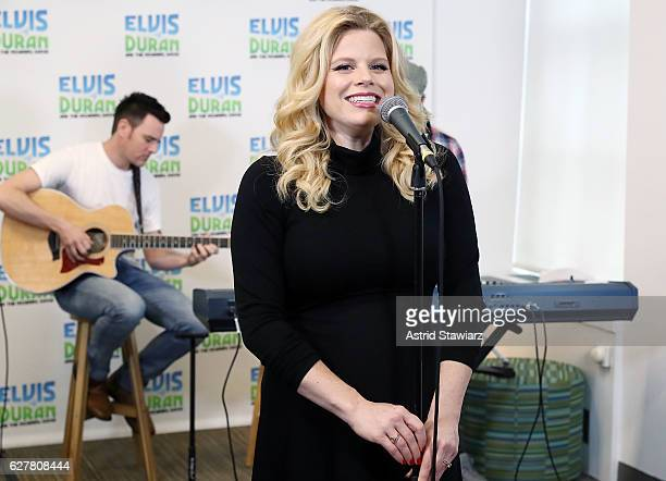 Actress and singer Megan Hilty performs during 'The Elvis Duran Z100 Morning Show' on December 5 2016 in New York City