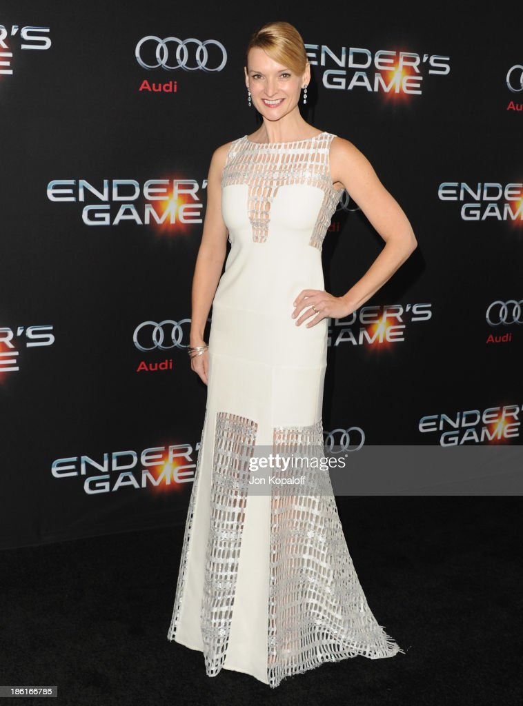 Actress Andrea Powell arrives at the Los Angeles Premiere 'Ender's Game' at TCL Chinese Theatre on October 28, 2013 in Hollywood, California.