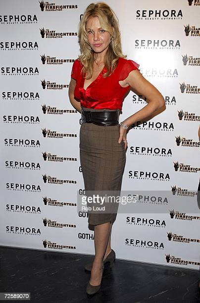 Actress Andrea Roth arrives at the opening of Sephora Lexington hosted by Gotham Magazine at Sephora Lexington on November 16 2006 in New York City