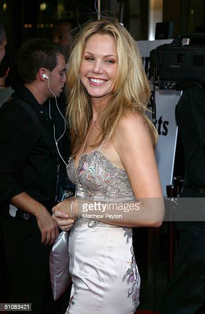 Actress Andrea Roth arrives for the Premiere Screening of the new FX series 'Rescue Me' at Loews Lincoln Square Theaters July 19 2004 in New York City