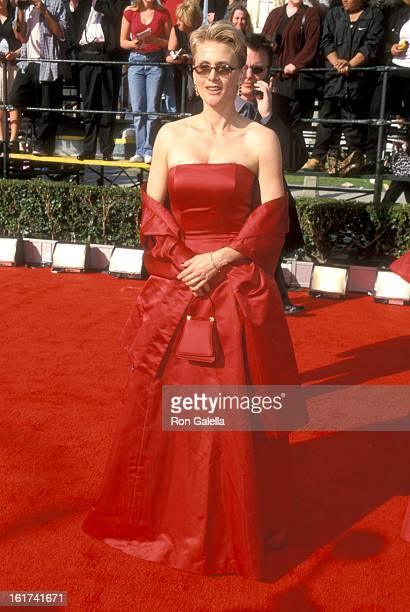 Actress Andrea Thompson attends the Sixth Annual Screen Actors Guild Awards on March 12 2000 at Shrine Auditorium in Los Angeles California