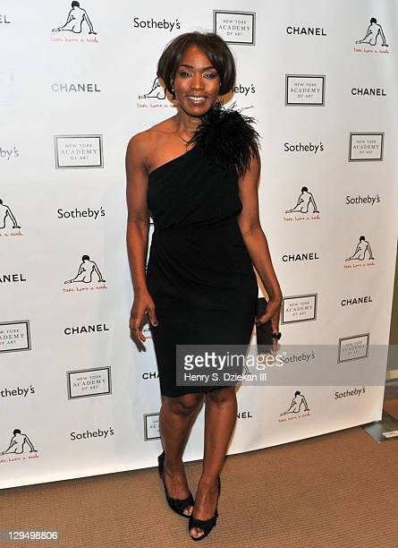 Actress Angela Bassett attends The New York Academy of Art's 20th Annual Take Home a Nude benefit at Sotheby's on October 17 2011 in New York City