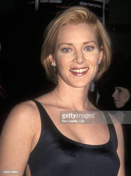 Actress Angela Featherstone Attends The Wedding Singer New York City Premiere On February 12 1998 At