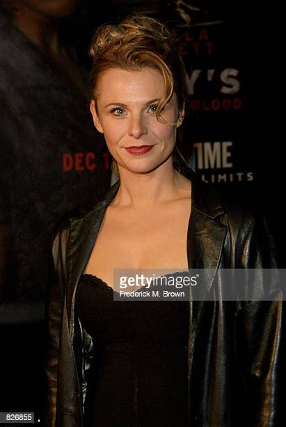 Actress Angelica Torn attends the film premiere of 'Ruby's Bucket Of Blood' November 29 2001 in Los Angeles CA