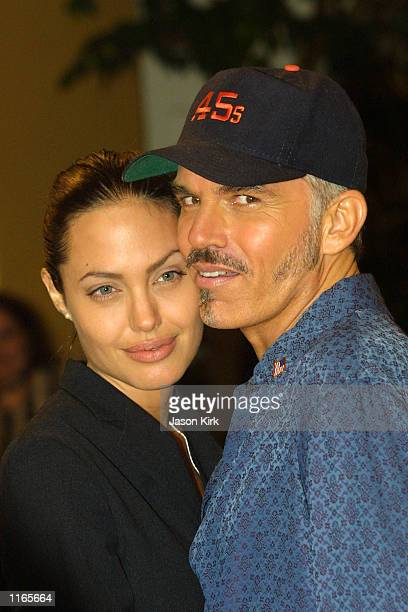 Actress Angelina Jolie and husband Billy Bob Thornton arrive at the world premiere of 'Bandits' October 4 2001 in Westwood CA