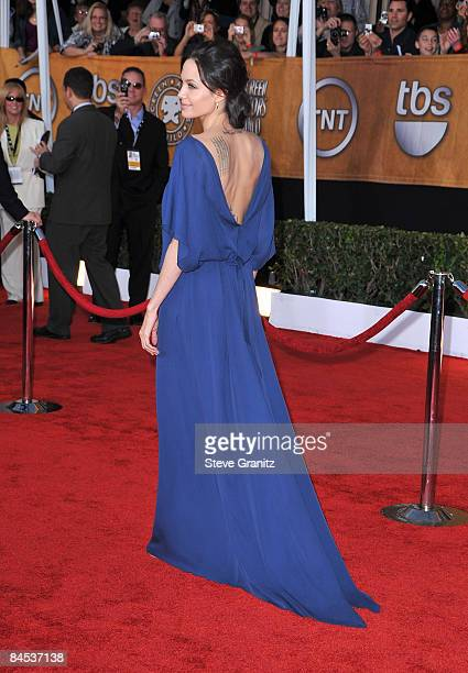 Actress Angelina Jolie arrives at the 15th Annual Screen Actors Guild Awards held at the Shrine Auditorium on January 25 2009 in Los Angeles...
