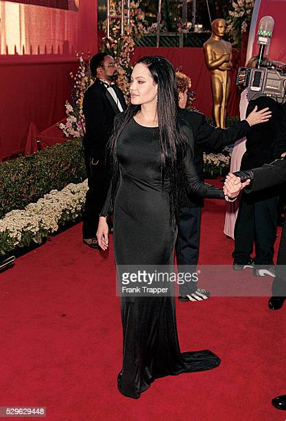Actress Angelina Jolie arrives at the 2000 Academy Awards�� This photo appears in Frank Trapper's RED CARPET book on page 255