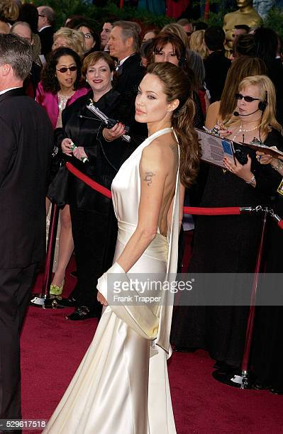 Actress Angelina Jolie arrives at the 2004 Academy Awards�� This image appears on page 371 in Frank Trapper's RED CARPET book