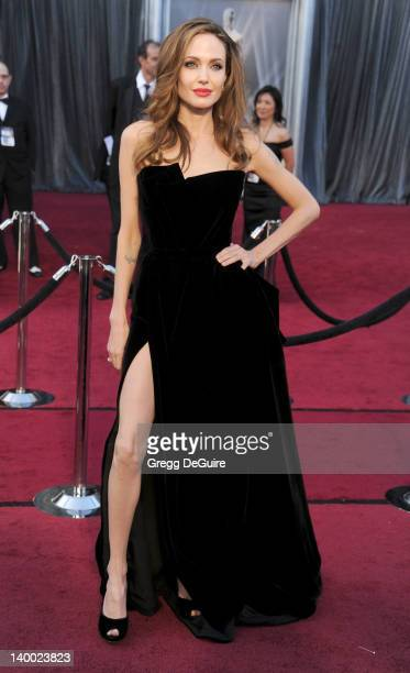 Actress Angelina Jolie arrives at the 84th Annual Academy Awards at Hollywood Highland Center on February 26 2012 in Hollywood California