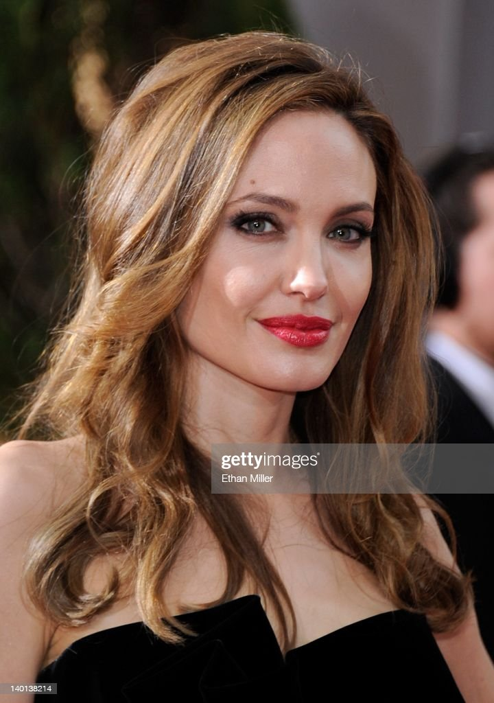 Actress Angelina Jolie arrives at the 84th Annual Academy Awards at the Hollywood & Highland Center February 26, 2012 in Hollywood, California.