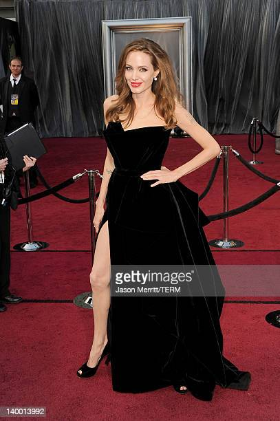 Actress Angelina Jolie arrives at the 84th Annual Academy Awards held at the Hollywood & Highland Center on February 26, 2012 in Hollywood,...
