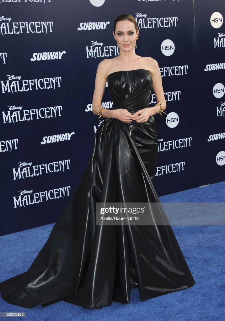 "World Premiere Of Disney's ""Maleficent"" : News Photo"